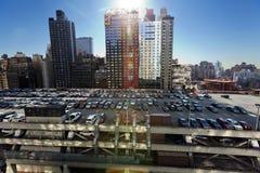 Estacionamento do telhado da autoridade portuária e arranha-céus Manhattan Yor novo Fotos de Stock Royalty Free