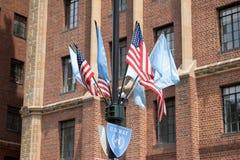 NEW YORK - EUA - 11 de junho de 2015 sinal do azul da maneira de United Nations Fotografia de Stock