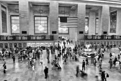 New York, EUA - 26 de maio de 2018: Povos no terminal principal de Grand Central do salão, New York fotografia de stock