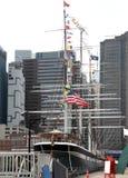New York, EUA - 2 de setembro de 2018: Margem de East River o 2 de setembro de 2018 em New York City, NY Manhattan é o a maioria  fotos de stock royalty free
