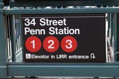New York, EUA - entrada do metro no Lower Manhattan em Pensylvani Imagens de Stock
