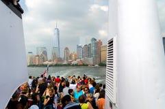 New York gesehen vom Boot Stockbild