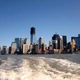 New York gesehen vom Fluss stockbild