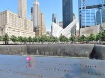 New York - 21 giugno 2017 - 9 11 memoriale al World Trade Center, ground zero Immagini Stock Libere da Diritti