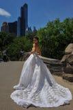 NEW YORK - 13 giugno: Pose di modello di Kalyn Hemphill nel Central Park Immagini Stock Libere da Diritti