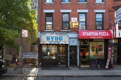 New York Hardcore tattoo studio. New York, United States of America - November 17, 2016: Exterior view of the Ney York Hardcore tattoo shop in Manhattan Royalty Free Stock Photos