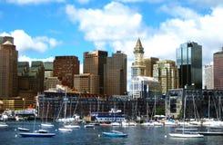 New York horisont och yachter framme Arkivbild