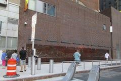 New York, il 4 agosto: Parete commemorativa a FDNY di notte in Manhattan da New York Immagini Stock