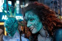 NEW YORK - 26. JULI: Aktmodelle, Künstler nehmen zu New- York Citycentral park während des ersten offiziellen Körper-Malerei-Erei Lizenzfreies Stockfoto