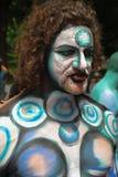 NEW YORK - 26. JULI: Aktmodelle, Künstler nehmen zu New- York Citystraßen während des ersten offiziellen Körper-Malerei-Ereigniss Stockfotos