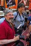 NEW YORK - 26. JULI: Die Fotografen, Künstler und Menge, die Fotos quadrieren machen manchmal, während des ersten offiziellen Kör Lizenzfreie Stockbilder
