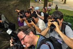 NEW YORK - 26. JULI: Fotografen, die Modelle während des ersten offiziellen Körper-Malerei-Ereignisses schießen Stockbild