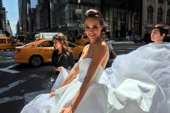 NEW YORK - 13 juni: Modelkalyn hemphill en stilistenbemanning Royalty-vrije Stock Foto