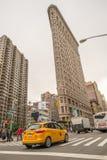 NEW YORK - JUNI 13: Vlakke Ijzer de bouwvoorgevel op 13 Juni, 2013 Stock Afbeeldingen