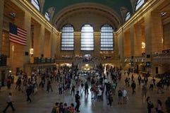 New York - l'horloge terminale de Grand Central avec le drapeau