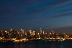 New York la nuit Photographie stock libre de droits
