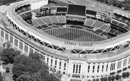 NEW YORK - 22 MAGGIO 2013: Yankee Stadium, vista aerea Casa delle yankee è situato nel Bronx e può ospitare 50000 per fotografia stock libera da diritti