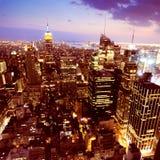 New York nachts lizenzfreie stockfotos