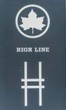 NEW YORK, NEW YORK - 30 DICEMBRE 2013: L'entrata di alta linea firma dentro New York, Manhattan Immagine Stock Libera da Diritti