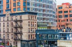 NEW YORK, NEW YORK - 30 DICEMBRE 2013: Paesaggio urbano a New York, Manhattan Alta linea percorso Fotografia Stock