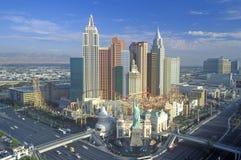 New York New York hotell och kasino i morgonljus, Las Vegas, NV Arkivfoton