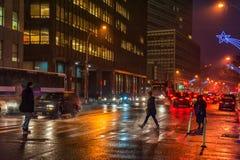 NEW YORK, NEW YORK - 10 JANVIER 2014 : Action de rue de New York avec des personnes Photos libres de droits