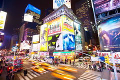 Tider Square trafikerar royaltyfria bilder