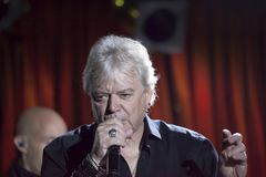 Lead singer Russell Hitchcock of Air Supply performs at B.B. Kin. NEW YORK, NEW YORK, USA - OCTOBER 13: Russell Hitchcock of Air Supply performs at B.B. Kings Stock Images