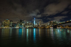New York by night: Lower Manhattan and Brooklyn Bridge Royalty Free Stock Image