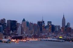 New York no crepúsculo Fotos de Stock Royalty Free