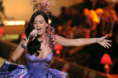 NEW YORK - NOVEMBER 10: Singer Katy Perry performs during the 2010 Victoria's Secret Fashion Show Royalty Free Stock Photography