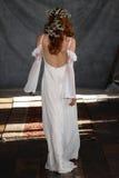 NEW YORK NY - Juni 16: En modell går landningsbanan på Claire Pettibone Spring 2015 brud- samlingsshow Arkivbild