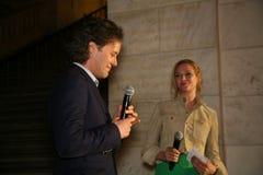 NEW YORK, NY - 19 MAGGIO: David Lauren e Uma Thurman che fanno un discorso alla sfilata di moda dei bambini di Ralph Lauren Fall  Fotografie Stock Libere da Diritti