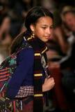 NEW YORK NY - MAJ 19: En modell går landningsbanan på de Ralph Lauren Fall 14 barnens modeshow Royaltyfria Foton