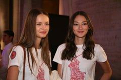 NEW YORK NY - MAJ 19: Modeller poserar för de Ralph Lauren Fall 14 barnens modeshow Royaltyfri Bild
