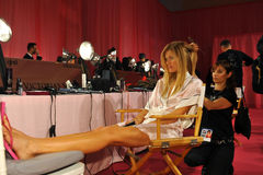 NEW YORK, NY - NOVEMBER 13: Model Constance Jablonski prepares at the 2013 Victoria's Secret Fashion Show Stock Images