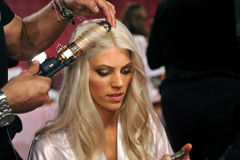 NEW YORK, NY - NOVEMBER 13: Model Devon Windsor prepares at the 2013 Victoria's Secret Fashion Show Stock Images