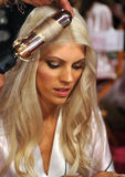 NEW YORK, NY - NOVEMBER 13: Model Devon Windsor prepares at the 2013 Victoria's Secret Fashion Show Royalty Free Stock Photos