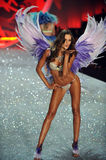 NEW YORK, NY - NOVEMBER 13: Model Izabel Goulart walks the runway at the 2013 Victoria's Secret Fashion Show Royalty Free Stock Photos