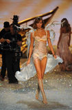 NEW YORK, NY - NOVEMBER 13: Model Karlie Kloss walks the runway at the 2013 Victoria's Secret Fashion Show Stock Photography