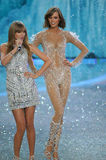 NEW YORK, NY - NOVEMBER 13: Model Karlie Kloss walks the runway at the 2013 Victoria's Secret Fashion Show Stock Image