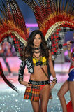 NEW YORK, NY - NOVEMBER 13: Model Lily Aldridge walks in the 2013 Victoria's Secret Fashion Show Royalty Free Stock Photos