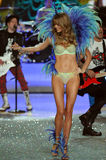 NEW YORK, NY - NOVEMBER 13: Model Lindsay Ellingson walks the runway at the 2013 Victoria's Secret Fashion Show Royalty Free Stock Image