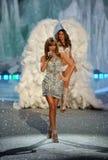 NEW YORK, NY - NOVEMBER 13: Singer Taylor Swift and Behati Prinsloo walk the runway Royalty Free Stock Photography