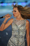 NEW YORK, NY - NOVEMBER 13: Singer Taylor Swift performs at the 2013 Victoria's Secret Fashion Show Royalty Free Stock Image