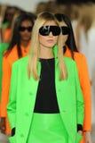 NEW YORK, NY - 12 SEPTEMBER: De modellen lopen het baanfinale bij de Ralph Lauren-modeshow Royalty-vrije Stock Afbeeldingen