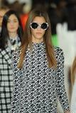 NEW YORK, NY - 12 SEPTEMBER: De modellen lopen het baanfinale bij de Ralph Lauren-modeshow Stock Afbeeldingen