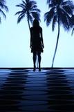 NEW YORK, NY - 05 SEPTEMBER: Een model loopt de baan bij de manierinzameling van Nicole Miller Spring 2015 Royalty-vrije Stock Fotografie
