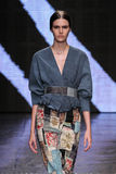 NEW YORK, NY - SEPTEMBER 08: Model Vanessa Moody walks the runway at Donna Karan Spring 2015 fashion show Royalty Free Stock Image