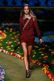 NEW YORK, NY - SEPTEMBER 08: A model walks the runway at Tommy Hilfiger Women's fashion show Stock Photos